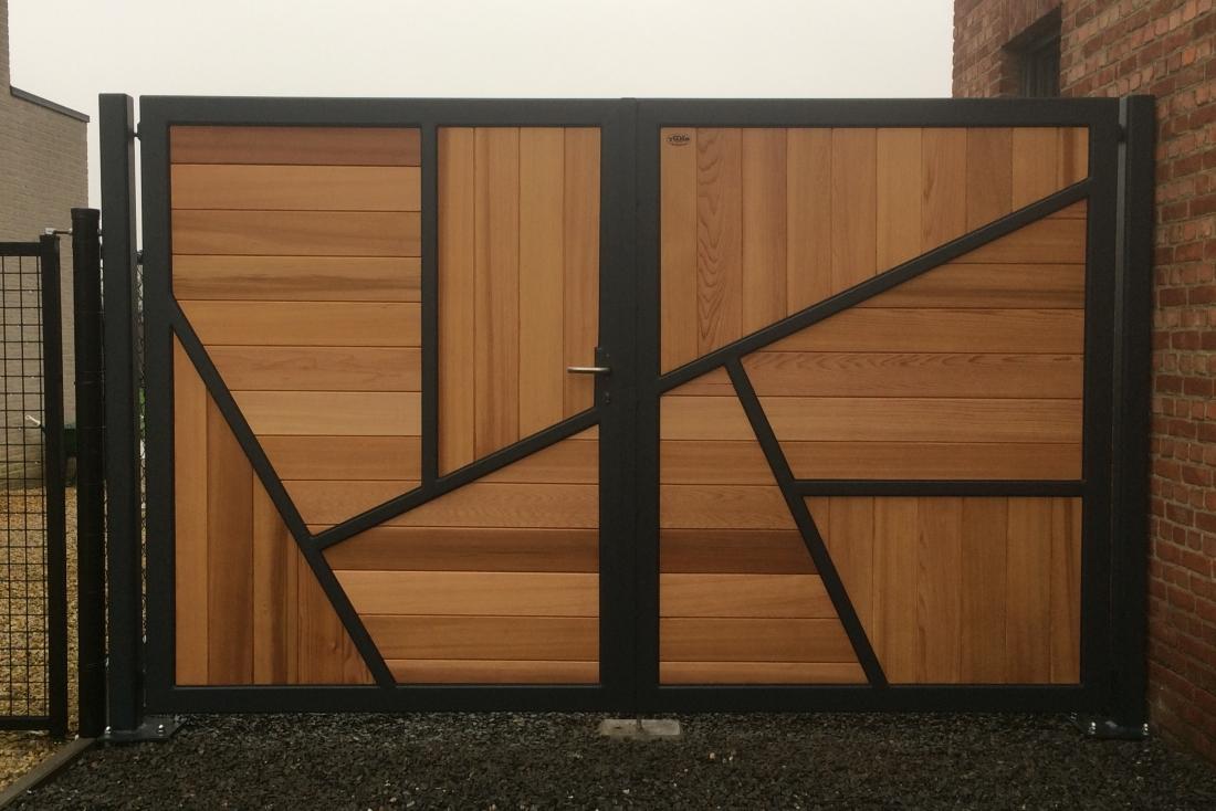 Asymmetrical gate