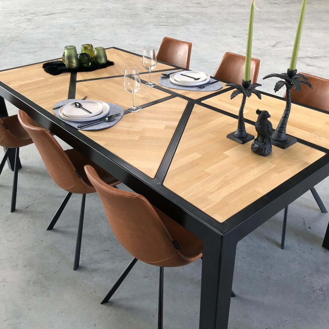 Asymmetrical table