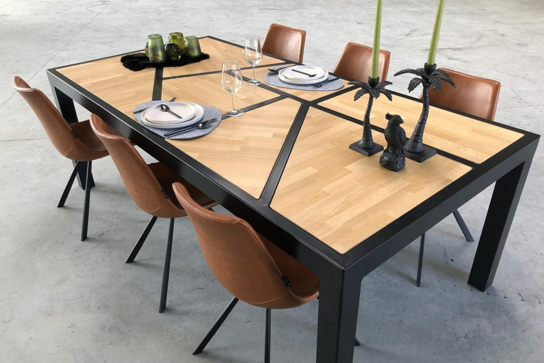 Asymmetrical table